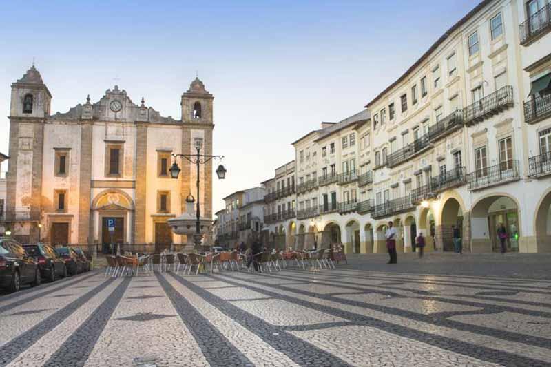 ลุยให้ยับสถานที่ท่องเที่ยว แอวูรา (Evora) ประเทศโปรตุเกส